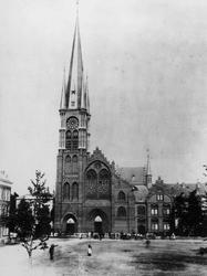 XVIII-346 De kerk van de Allerheiligste Verlosser aan de Goudse Rijweg uit het zuiden.
