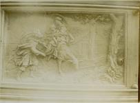 XVIII-369-6 Houtsnijwerk van de communiebank van de Sint-Rosaliakerk aan de Leeuwenstraat.