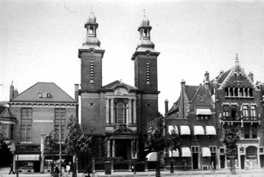 XVIII-411-01 Paradijkskerk aan de Nieuwe Binnenweg