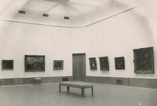 XXI-67-01 Grote schilderijenzaal van het Museum Boymans van Beuningen aan de Mathenesserlaan.