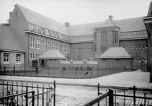 XXII-105 De 2e Gemeentelijke Handelsschool aan de Hofstedestraat nummer 36.