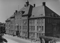 XXII-117-00-01 De Hogere Burger School voor meisjes aan de Mecklenburglaan.