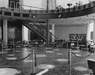 XXIV-12-12-1 Interieur van dancing Bristol aan de Coolsingel.