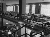 XXIV-12-12-2 Interieur van dancing-restaurant Bristol aan de Coolsingel.