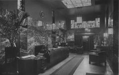 XXIV-34-02 Entree van hotel Coomans aan de Hoofdsteeg.