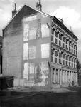XXV-25-04 Gezicht op de enkele huizen aan de Alexanderstraat nummer 74 (Karel Doormanhof).