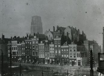 XXV-646-01-01 De Steigersgracht (later Grotemarkt).Op de achtergrond de toren van de Sint-Laurenskerk.