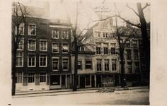 XXV-73 Huizen aan de Gedempte Bierhaven, nr. 2-10.Tekst boven foto: pand nr.8: Mr. v.d. Hoeven.