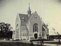 XXVII-5-01 Gezicht op de pas voltooide kapel van de begraafplaats Crooswijk.
