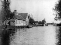 XXXI-288-05 Bosweg, bij de Kortekade, uit het westen. Achtergrond de brug naar de Kortekade.