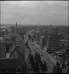 1283 Overzicht op de Coolsingel vanaf de stadhuistoren in zuidelijke richting. In het midden de Schiedamse Vest, rechts ...