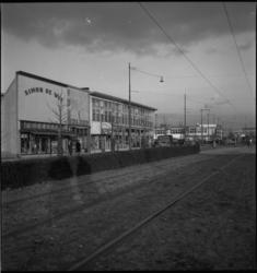1632 Noodwinkels aan de Bentincklaan. Op de voorgrond de trambaan.