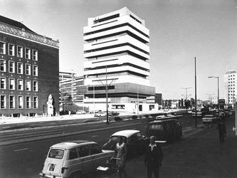 2004-5357 Schiekade met Akragon toren, een onderdeel van de Technikon scholen.
