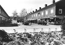 2004-6741 De Zijpe met winkelcentrum.