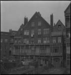 3183 De achtergevel en tuinen van enkele woningen aan de Diergaardesingel kort voor de renovatie.