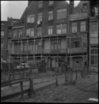 3184 De achtergevel en tuinen van enkele woningen aan de Diergaardesingel kort voor de renovatie.