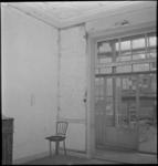3186 Interieur van een woning aan de Diergaardesingel vóór de renovatie.