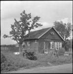 4060 Een noodwoning aan de Charloisse Lagedijk.