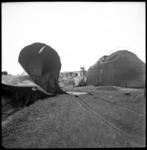 AO-31 De gevolgen van een explosie bij BPM Pernis aan de Vondelingenweg.