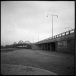 AO-99 Stadionviaduct met links de West-Varkenoordseweg.
