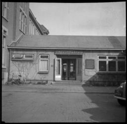BO-253 Hugo de Grootstraat met ingang van het Stadstimmerhuis.