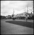 BO-255 Jongkindstraat met noodwinkels, links op de ahtergrond de Nieuwe Binnenweg.