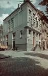 2 Het kantoor en het magazijn van metaalhandel Intermetaal aan de Scheepmakershaven, hoek Bierstraat. Tevens het ...