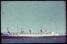 22 Het Schip de Nieuw-Amsterdam van de Holland Amerika Lijn aan de Wilhelminakade