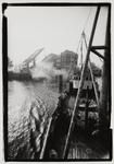 1987-2517 Brug bij het Poortgebouw over Binnenhaven, Stieltjesstraat. Uit een serie van 5 foto's over bruggen in Rotterdam.