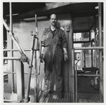 1988-1423 Kraandrijver van Europees Massagoed Overslagbedrijf B.V. (EMO) aan de Mississippihaven op de Maasvlakte. Een ...