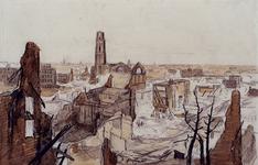 1988-8 Gezicht op een deel van het door de Duitsers op 14 mei 1940 platgebombardeerde centrum van de stad met toren van ...