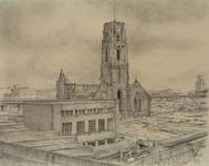 III-188 Het geraseerde deel van de stad: de ruïne van de Grote Kerk en G.E.B. gebouw aan de Delftsevaart, uit het westen.