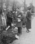 2002-1617 Bloemenmarkt op de Goudsesingel.