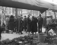 2002-1623 De bloemenmarkt aan de Goudsesingel.