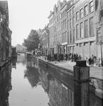 2002-1652 De Delftsevaart met in het midden de Raambrug.