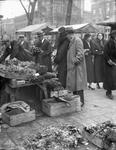 2002-1657 De Goudsesingel met de bloemenmarkt.