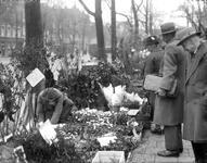 2002-1658 De Goudsesingel met de bloemenmarkt.
