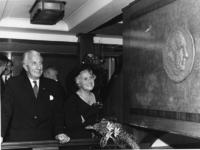 1967-609 Afscheid van dr. J.Ph. Backx als directeur van Thomsen's Havenbedrijf aan boord van het schip Jan Backx de ...
