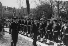 1968-726 Tijdens de bevestiging van de nieuwe Deense predikant, dominee E. Lam bij de Deense kerk aan de Parklaan ...