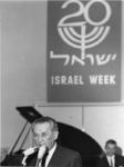 1968-966 De burgemeester van Haïfa, de heer Aba Khoushy in het Hilton hotel, tijdens een gala-avond gedurende de Israëlweek