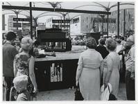 1970-2179 Tijdens de Manifestatie C70 vindt op het Beursplein een orgeldemonstratie van Joh de Heer plaats.
