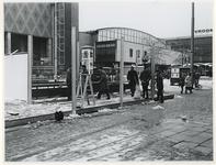 1970-523 Voorbereiding van de Manifestatie C70. Op het Beursplein wordt een paviljoen gebouwd.