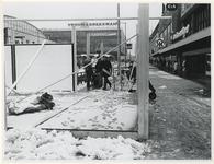 1970-524 Voorbereiding van de Manifestatie C70. Op het Beursplein worden plantenbakken en nieuwe bestrating aangelegd.