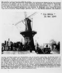 1972-1273 Oostplein met de molen De Noord twee weken na het Duitse bombardement. Met misleidende Duitse propagandatekst.