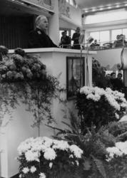 1972-714 NSB-bijeenkomst in de Rivièrahal van de Diergaarde Blijdorp.Op het podium: de burgemeester van Rotterdam, ir. ...