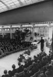 1972-715 NSB-bijeenkomst in de Rivièrahal van de Diergaarde Blijdorp. Op het podium de plaatsvervangende leider van de ...