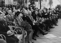 1972-719 NSB-bijeenkomst in de Rivièrahal van de Diergaarde Blijdorp. Overzicht van de hal met op de eerste rij: met ...