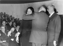 1974-2091 De heer ir. F. Posthuma, directeur van het Gemeentelijk Havenbedrijf, wordt wegens zijn 25-jarig ...