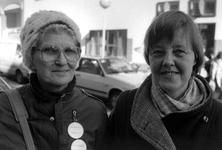 1989-314 Twee deelnemers aan de manifestatie Internationale Vrouwendag.
