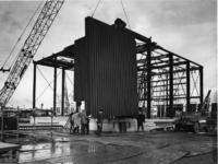 XVIII-204-00-04 Tijdens de bouw in zes dagen van de Nederlands Hervormde Antwoordkerk aan de Kruisnetlaan in ...